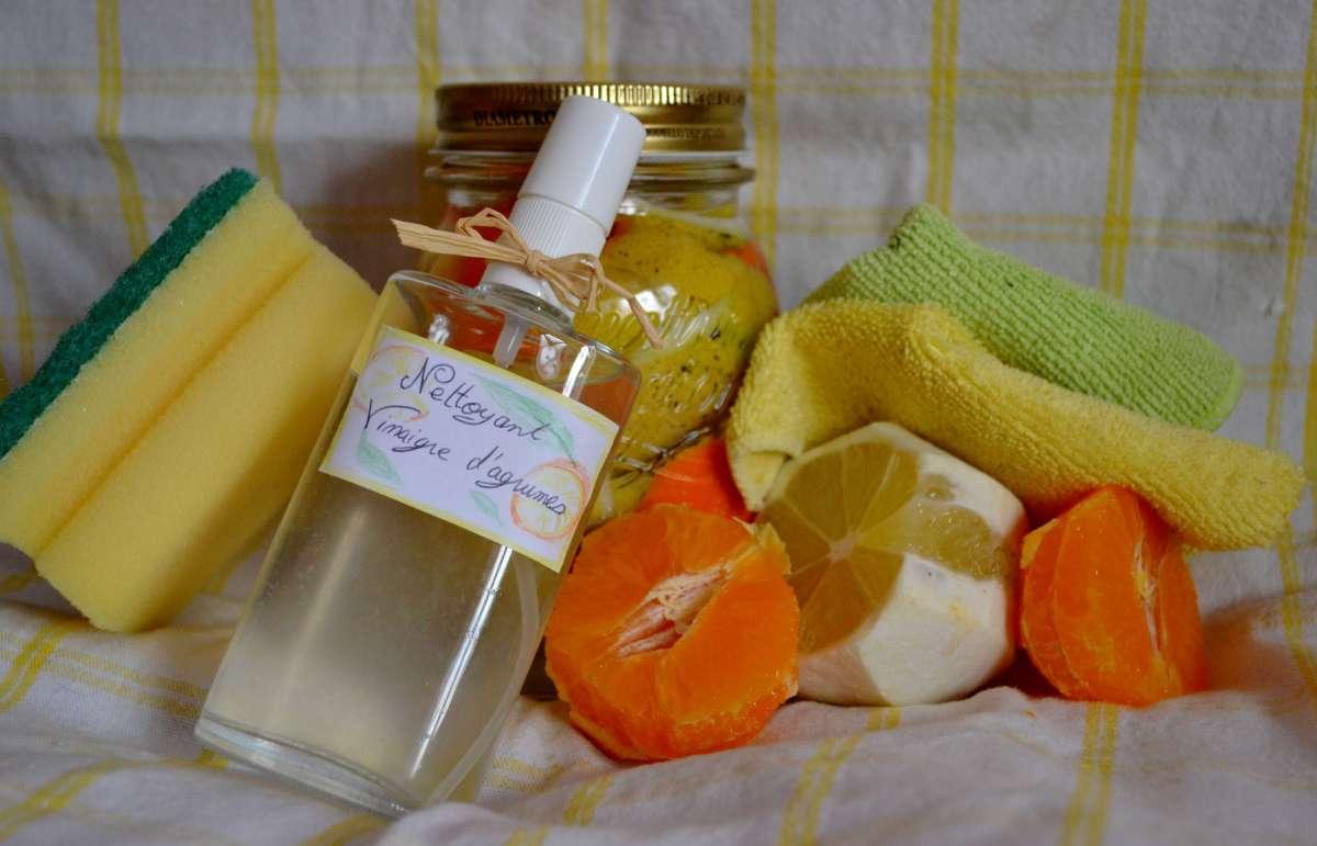 Un nettoyant désinfectant tous usages fait maison aux parfums d'agrumes